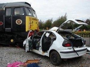 kereta vs mobil