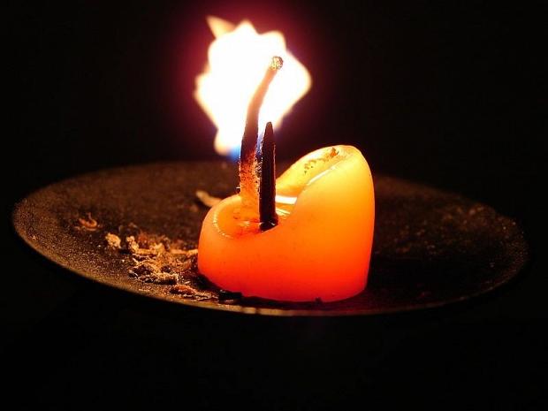 api lilin